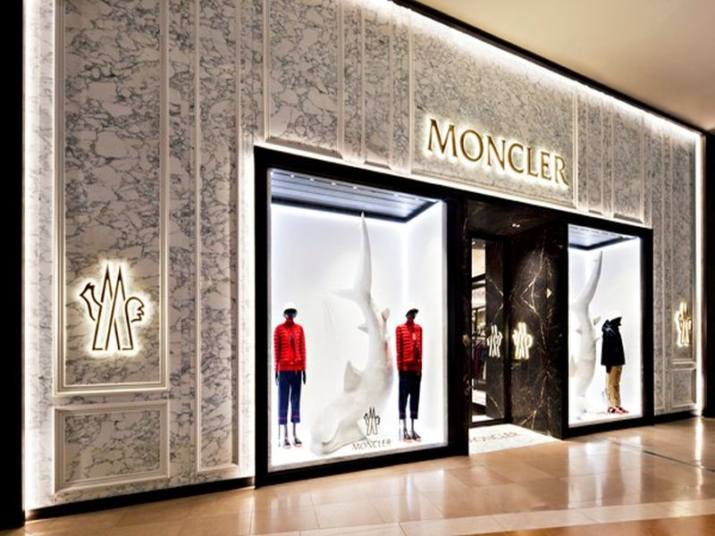 Moncler-Chadstone-retail-joinery-fitout-01